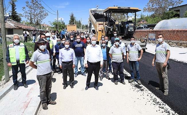 Başkan Zolan Bozkurt'ta asfalt çalışmalarını inceledi