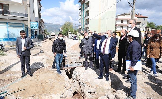 Başkan Zolan Serinhisar'da alt yapı ve doğalgaz çalışmalarını inceledi