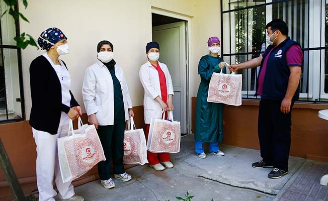 Büyükşehir'den 19 ilçede hizmet veren 500 ASM hemşiresine koruyucu set