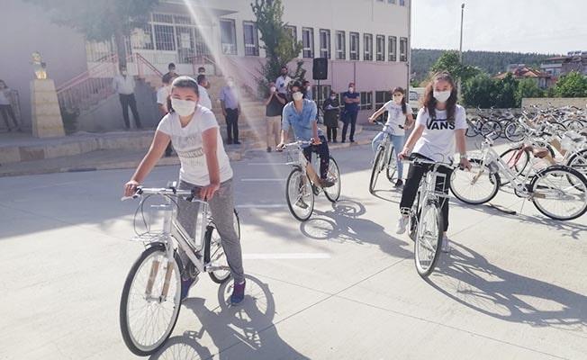 Çal Belediyesi, LGS'ye girecek 220 öğrenciyi sevindirdi
