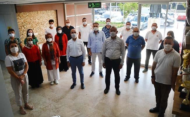 Başkan Özbaş, belediye personeli ile bayramlaştı