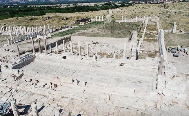 Tripolis Antik Kenti'ndeki Anıtsal çeşme, GEKA'nın desteğiyle gün yüzüne çıkartıldı