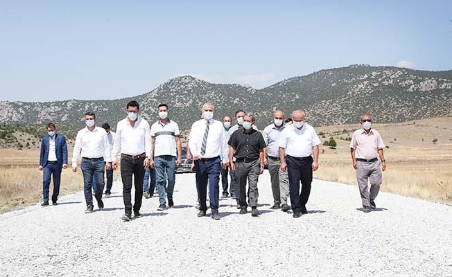 Başkan Zolan Çardak'ta asfalt çalışmalarını inceledi