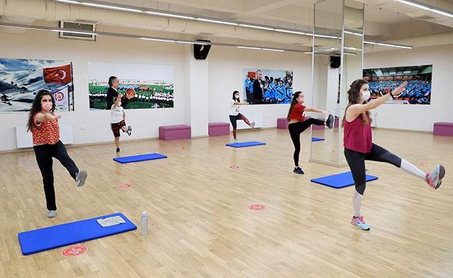 Büyükşehir spor kursları pandemi kuralları ile devam ediyor