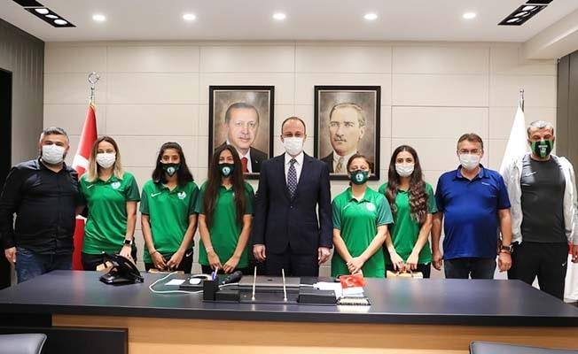 Başkan Örki Horozkent'li Milli futbolcuları ağırladı