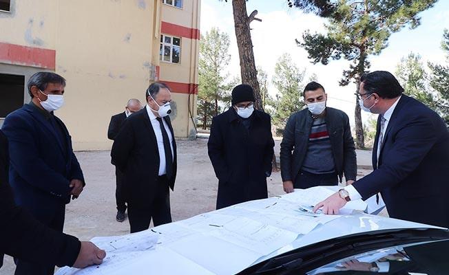 Rektör Vekili Kutluhan, Tavas SHMYO Binasında İncelemelerde Bulundu
