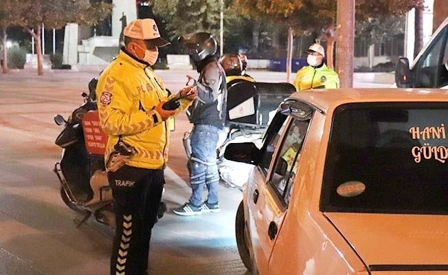 Denizli'de sokağa çıkma kısıtlamasına uymayan 381 kişiye 349 bin TL ceza kesildi