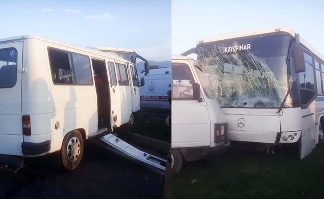 İşçi servis otobüsü ile yolcu minibüsü çarpıştı: 4 yaralı