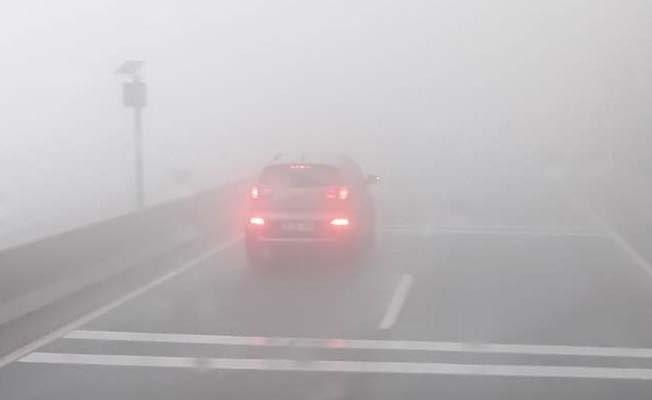Sakar Rampası'nda etkili olan sis sürücülere zor anlar yaşattı