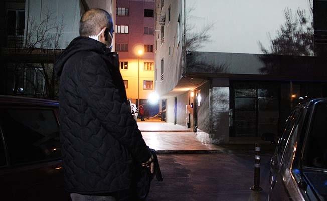 Ağırlaştırılmış müebbet cezası ile aranan cezaevi firarisi, film gibi operasyonla yakalandı