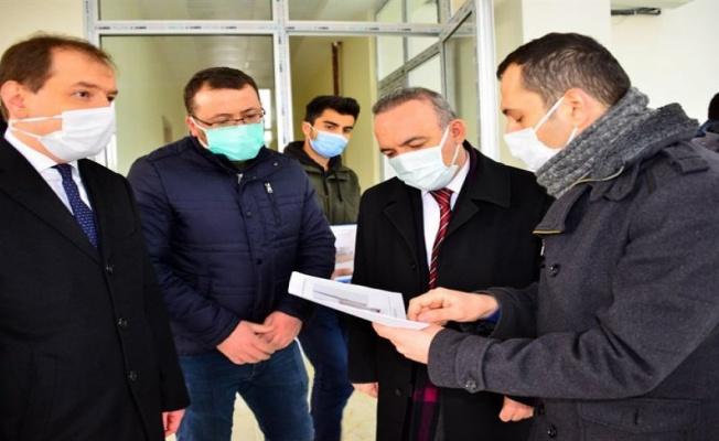 Ardahan Valisi Öner, 112 Acil Çağrı Merkezi inşaatını inceledi