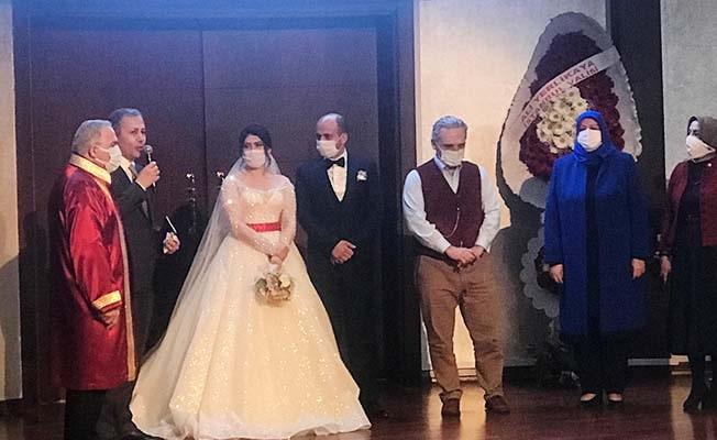 Denizlili evsiz çiftin nikahını İstanbul Valiliği kıyıp evlerini kurdu