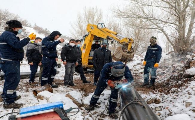 Kayseri Zincidere Göleti'nde kar altında çalışmalar