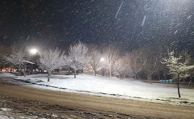 Denizli'nin yüksek kesimlerinde kar yağışı başladı