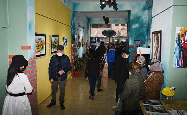 EAGSL'nin ilk mezunları Denizli'de sanat sergisinde buluştu