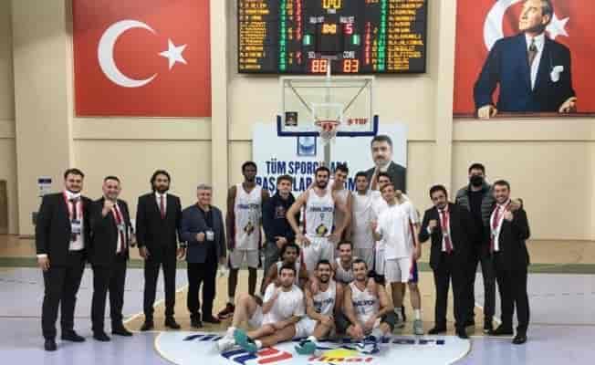 Bursa Final Spor'un forma tasarımı öğrencilerden