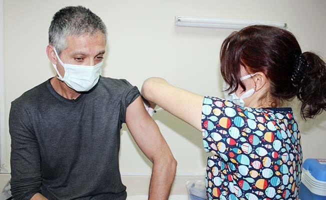 Denizli'de sağlıkçıların yüzde 80'i, yaşlıların ise yüzde 78'i aşılandı
