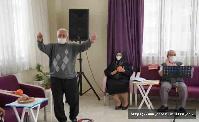 Gaziantep'te Alzheimer hastalarına müzikli terapi