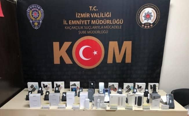 İzmir'de 2,5 milyon değerinde kaçak ürün ele geçirildi