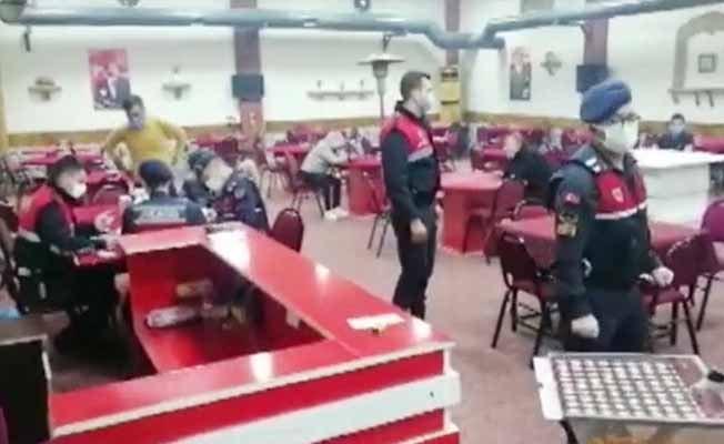 İzmir'de kumar operasyonunda 208 kişiye 480 bin TL ceza