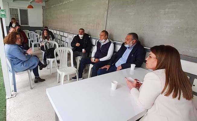 Karaca, öğrenci yurt ve apart sahiplerini dinledi