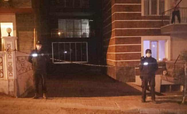 Kuşadası'nda bir apartman karantina altına alındı