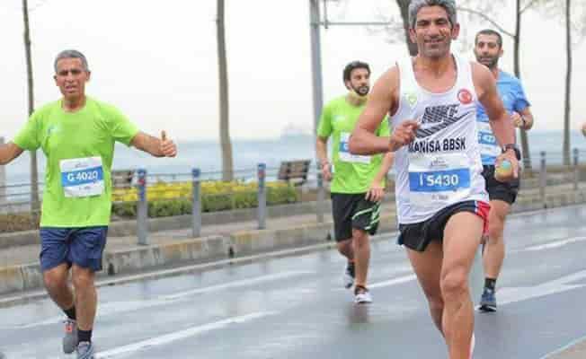 Manisalı maratoncu zirveyi kaptırmadı