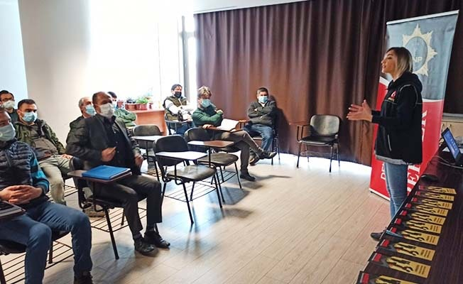 Narko-Rehber projesi anne ve anne adaylarına seminer verildi