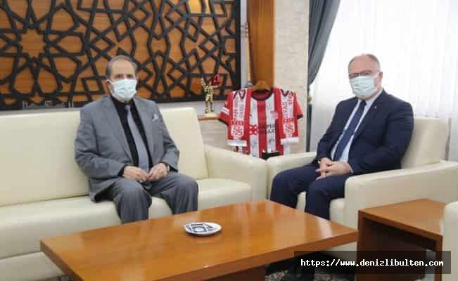 Sivas Belediyesi'nden esnafa nakit desteği