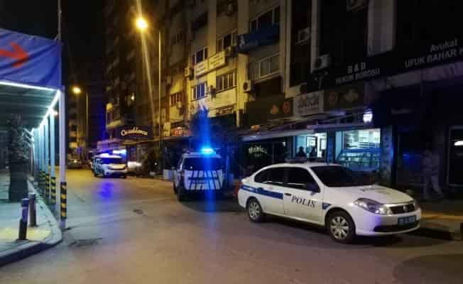Tedbirlerin ihlal edildiği gece kulübünde kavga: 1 ölü, 6 yaralı