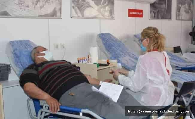 Türk Kızılayı kan bağışı şampiyonuna gidiyor