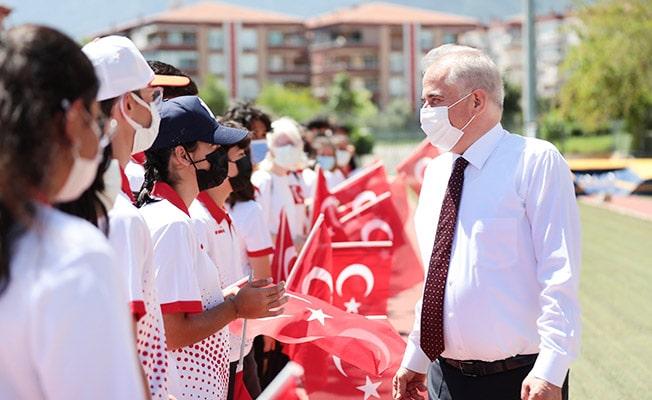 Başkan Zolan gençlerin bayram sevincini paylaştı