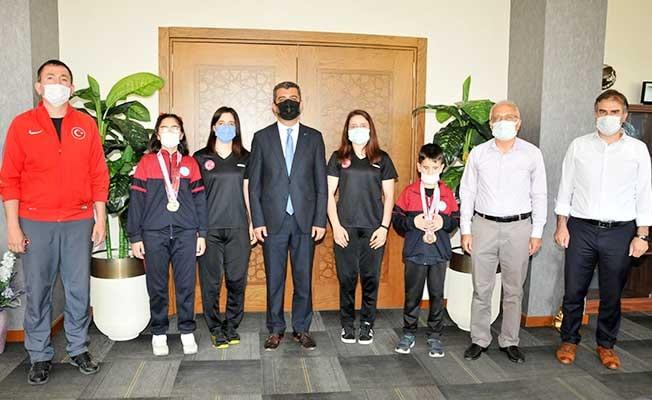 Dünya şampiyonasında Türkiye'yi temsil eden özel sporcular ağırlandı