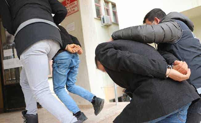 Denizli'de FETÖ firarisi 2 kişi tutuklandı