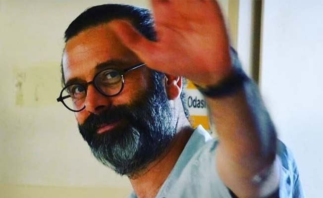 İzmirli öğretmen trafik kazasında hayatını kaybetti