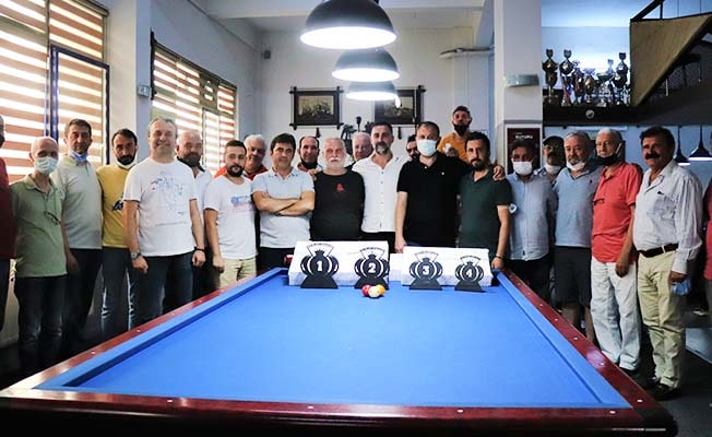Bilardo tutkunları turnuvada buluştu