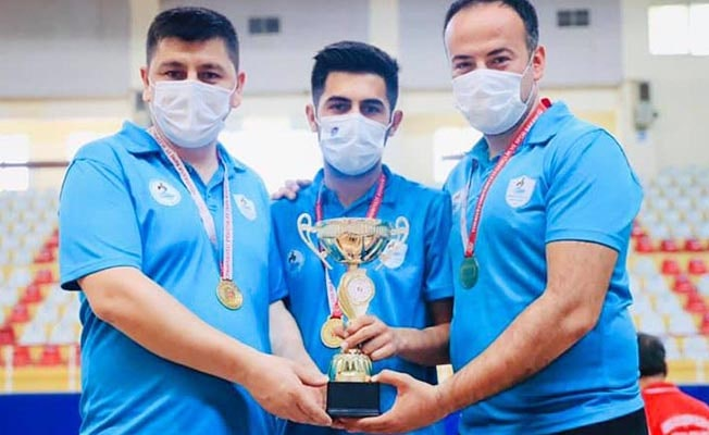 Masa tenisinde Pamukkale Belediyesi şampiyon oldu
