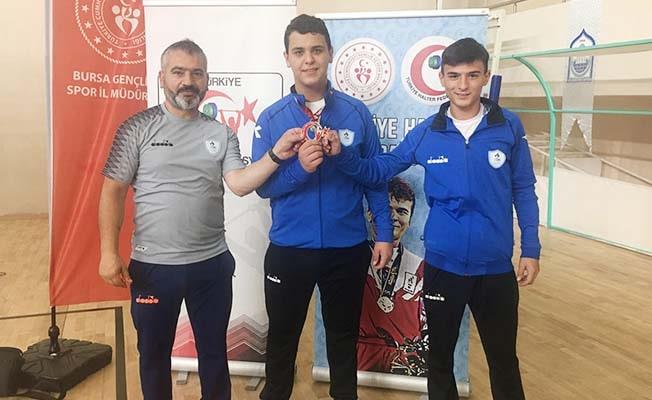 Pamukkale Belediyesporlu Halterci Türkiye Şampiyonu oldu