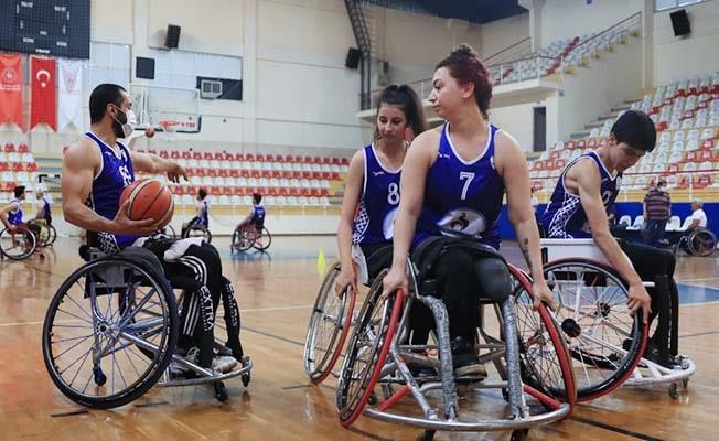 Pamukkale Belediyesporlu Tekerlekli Sandalye Basketbolcular lige hazır