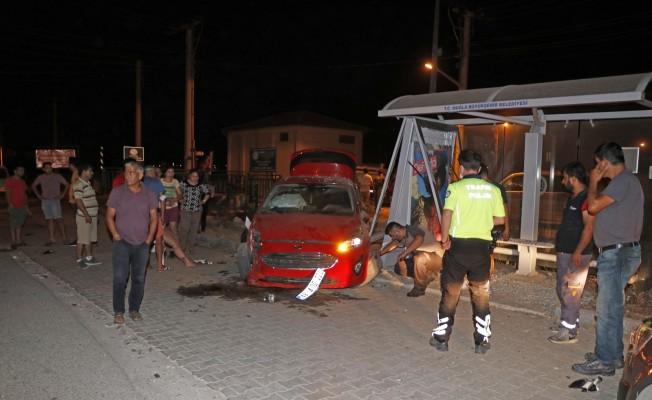 Fethiye'de otomobille kamyonet çarpıştı: 2 yaralı