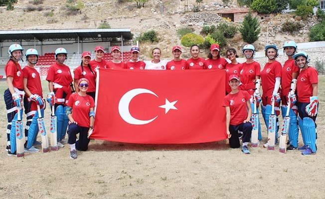 Kriket Milli Takımı, ilk kez katılacağı dünya şampiyonası elemelerine Denizli'de hazırlanıyor