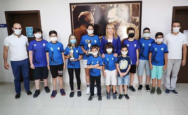 Merkezefendi Belediyesi Gençlik ve Spor Kulübü satranç takımı iki kupa kazandı