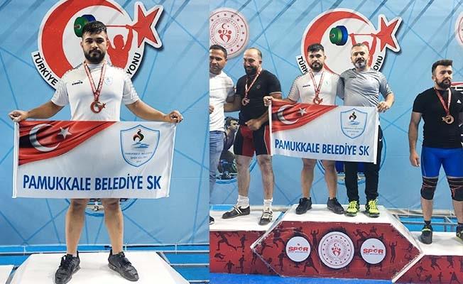 Pamukkale Belediyesporlu Halterci Mehmet Avcıl Türkiye rekoru kırdı