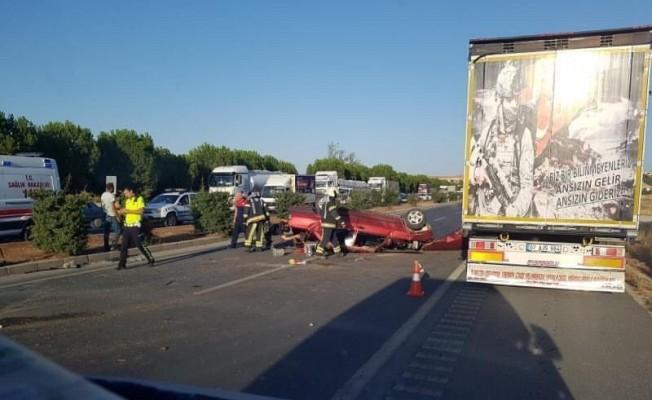 Takla atarak ters dönen otomobilde sürücü yaralandı