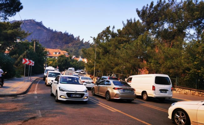 Tatilciler Marmaris'i terk ederken, tahliyeler de devam ediyor
