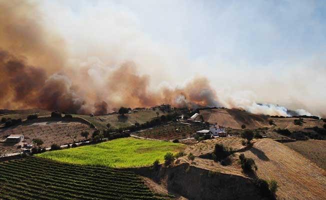 Buldan'da devam eden yangın havadan görüntülendi