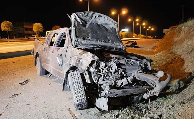 Emniyet kemerini arkadan bağlayan sürücü ağır yaralandı