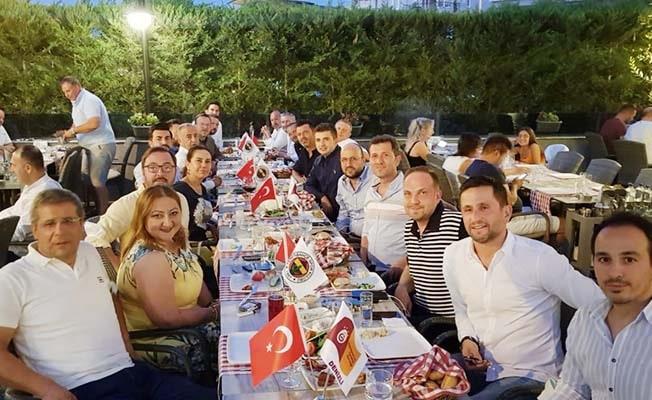 Fenerbahçe ve Galatasaray taraftarlarından dostluk mesajı