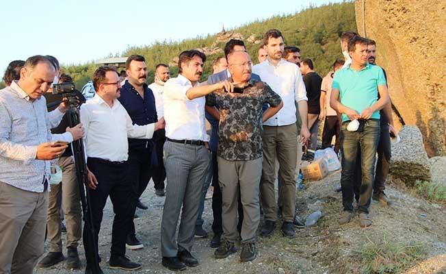Vali Atik ve Başkan Zolan söndürme çalışmalarını yerinden takip etti