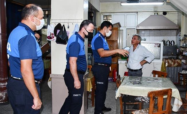 Buldan'da zabıta ekipleri kahvehaneleri denetledi